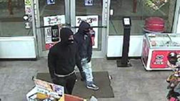 Highland Park gas station robbed at gunpoint
