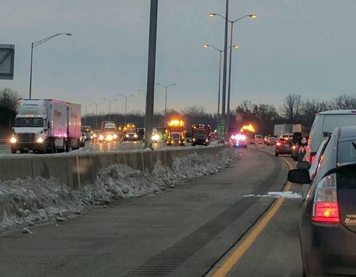 Police: 1 dead, 1 hurt in Tri-State Tollway semi crash