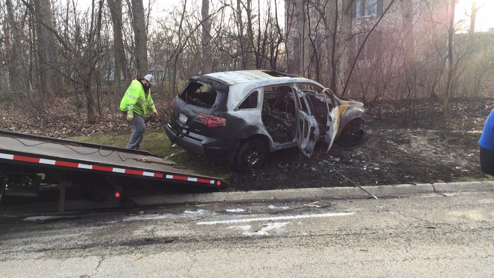 Police searching for driver of stolen SUV after Lake Forest pursuit, crash; passenger arrested