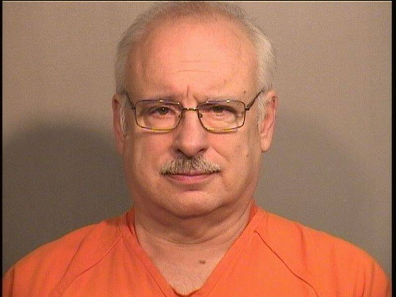 Lake in the Hills deputy police chief gets 4 1/2 years for raping girl