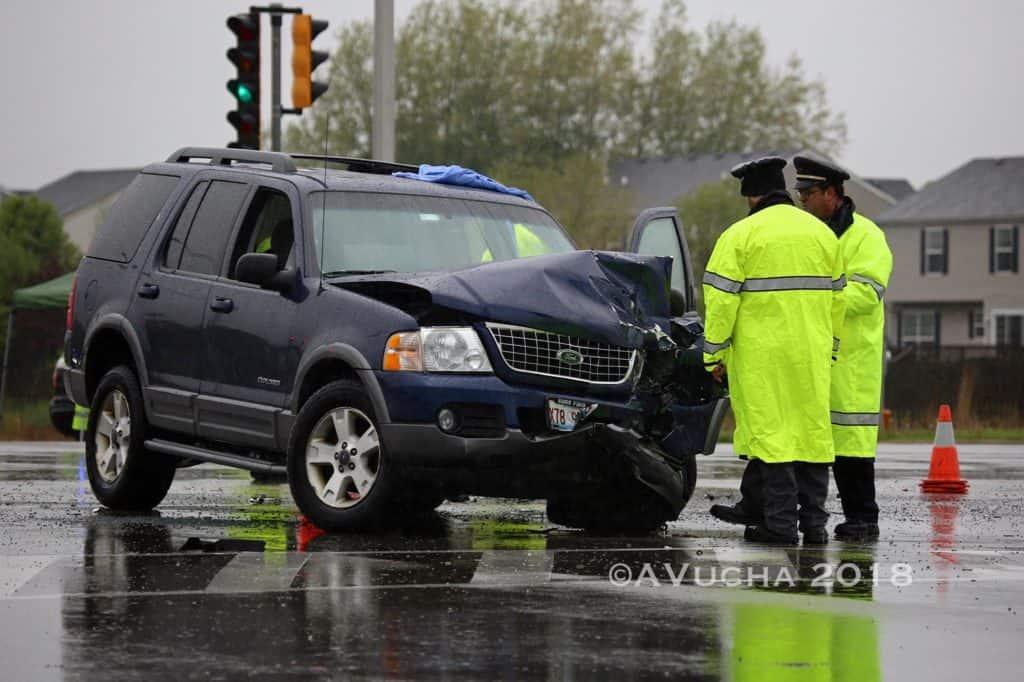 1 dead following SUV, minivan crash in Huntley