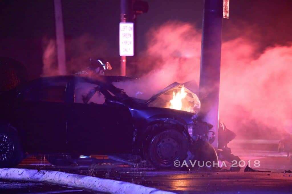 Fiery crash leaves 1 man dead in Woodstock