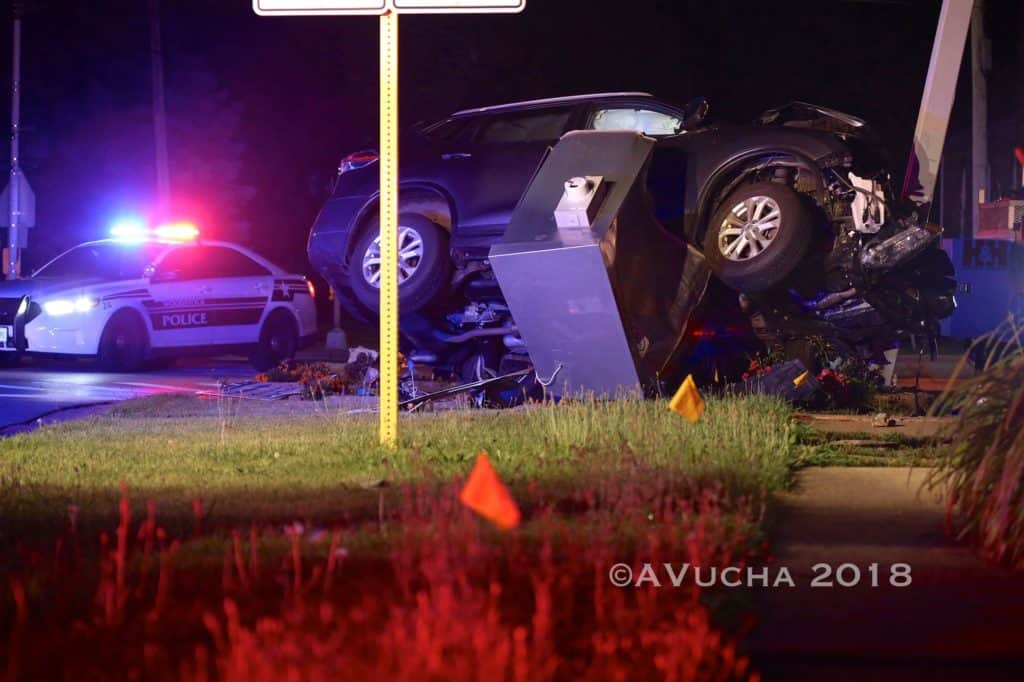 Intoxicated woman suffers minor injuries in Woodstock crash