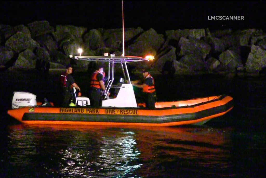 Search continues for man after kayak capsizes in Lake Michigan near Highland Park