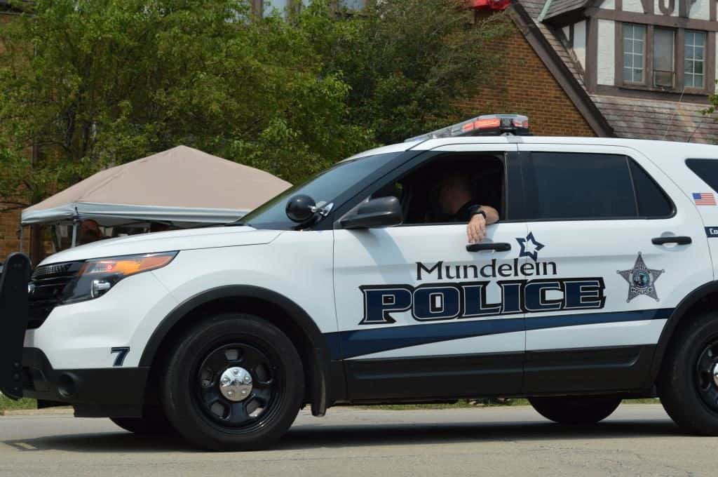 Mundelein police officers praised for helping lost blind man