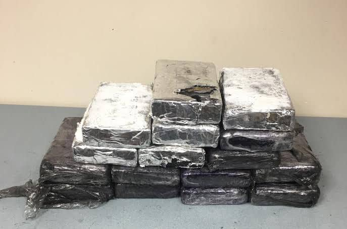 Cops find 16 kilos of cocaine in Lake in the Hills bust; 2 men arrested