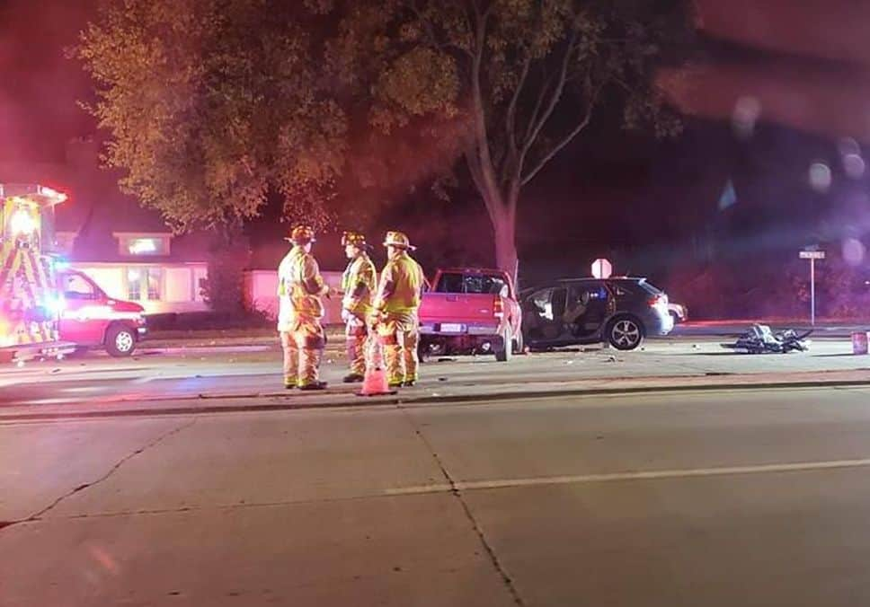 Serious injuries after two trapped in Buffalo Grove crash