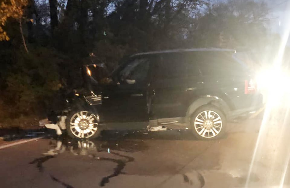 Man critically injured, two children seriously injured after Mundelein crash