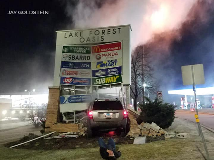 PHOTOS: High-speed driver slams into Lake Forest Oasis sign