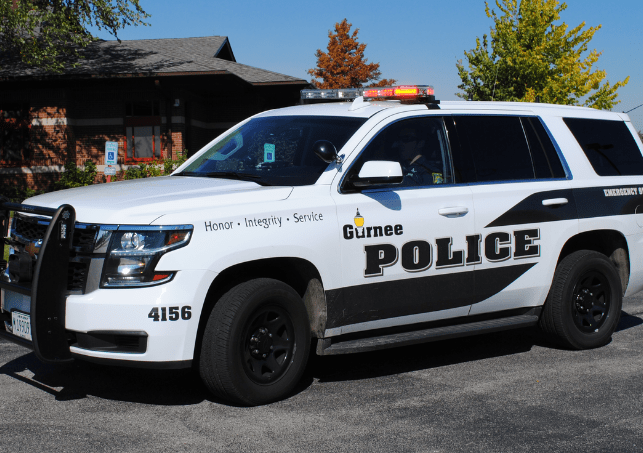 Pizza Hut robbed at gunpoint in Gurnee