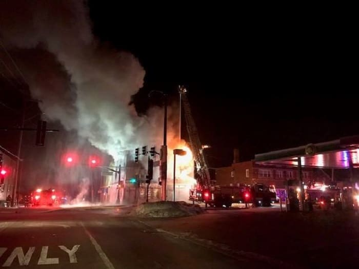 Firefighter injured, building destroyed after fire in sub-zero conditions in Waukegan