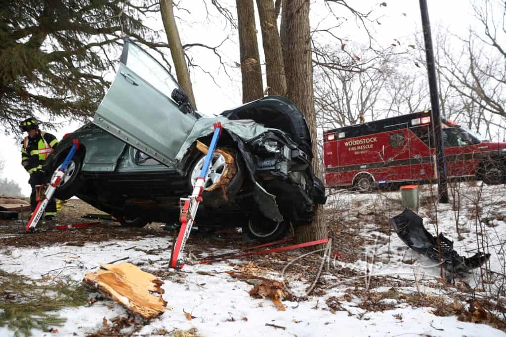 62-year-old killed after crashing into guardrail, tree in Woodstock