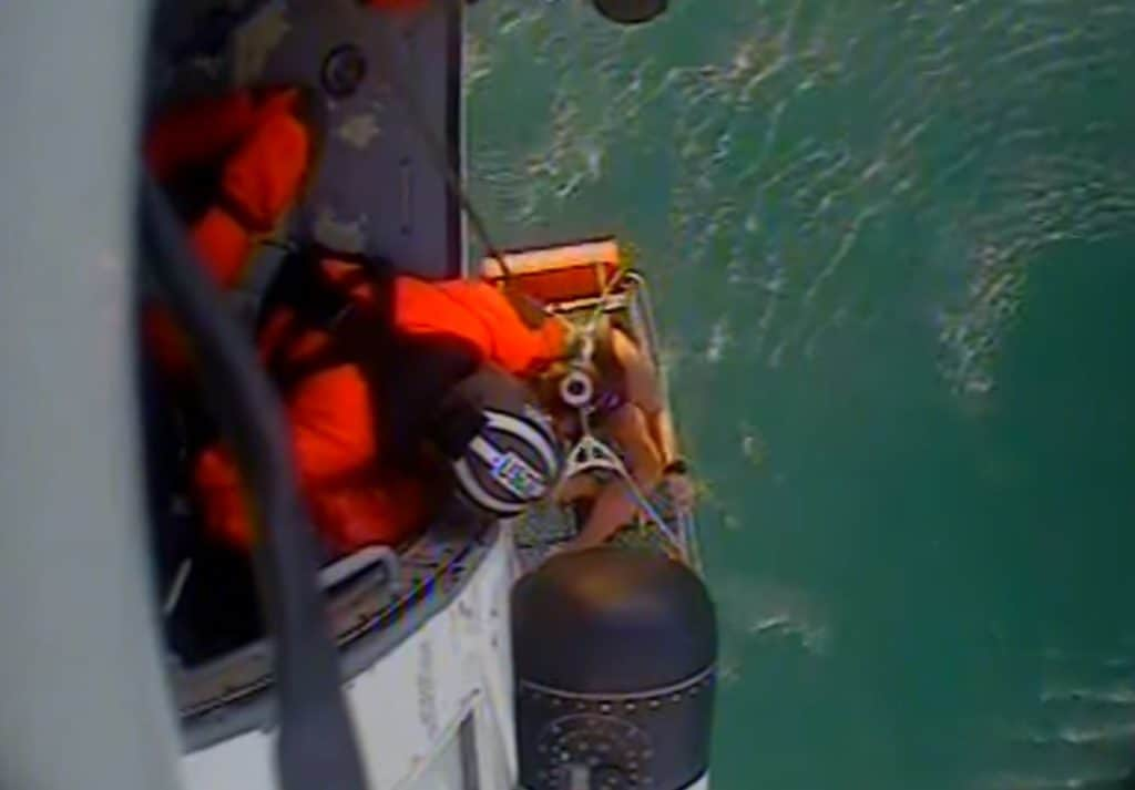 Video shows Coast Guard helicopter rescuing 2 people from Lake Michigan near Waukegan
