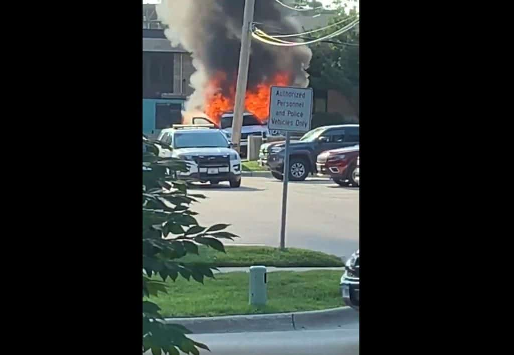 Video shows Libertyville police car fully engulfed in flames