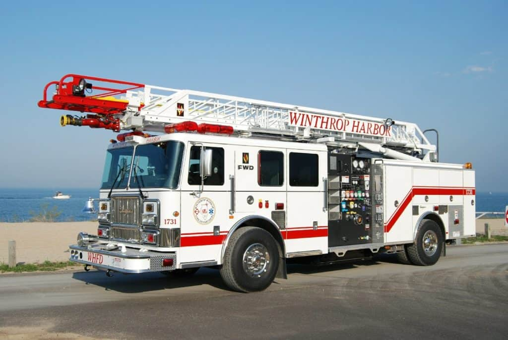 Lightning strike causes house fire in Winthrop Harbor