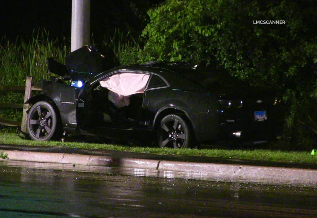 Wauconda man killed after sports car crashes into light pole