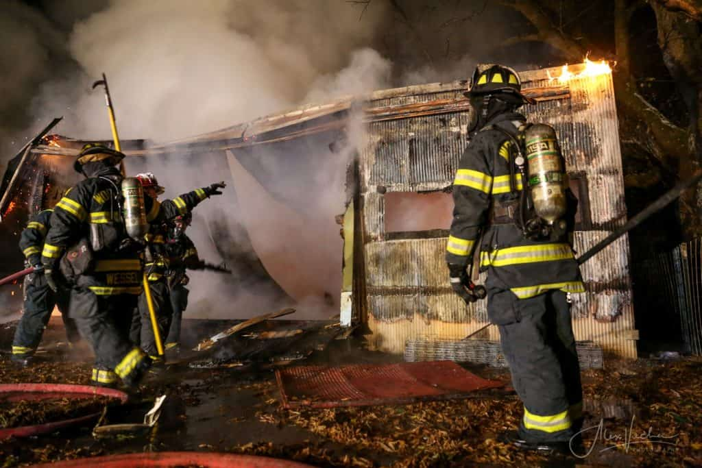 19 pigs killed in fully engulfed barn fire in Woodstock