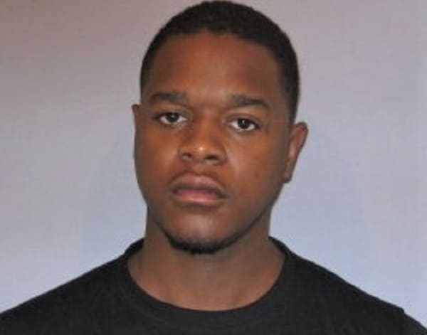 Man charged with robbing victim at gunpoint during cellphone sale in library parking lot in Gurnee