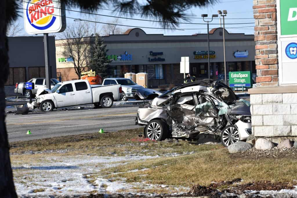 Charges pending after 1 killed, 1 injured in high-speed crash in Mundelein