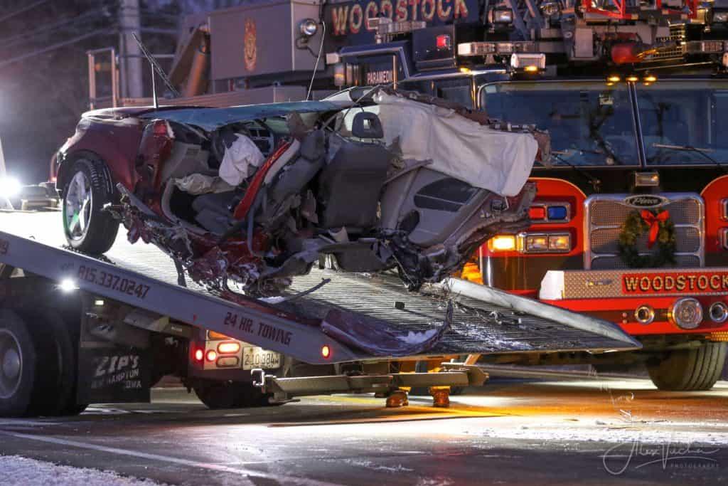 1 dead after high-speed crash leaves car split in half in Woodstock