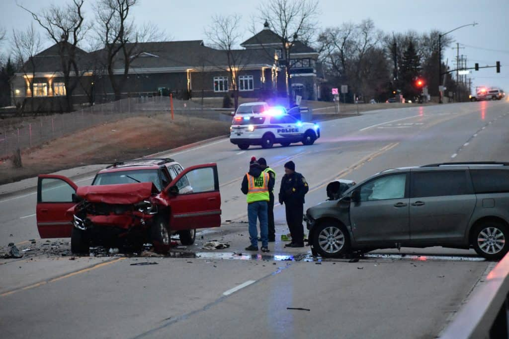 1 dead, 2 injured after head-on crash in Gurnee