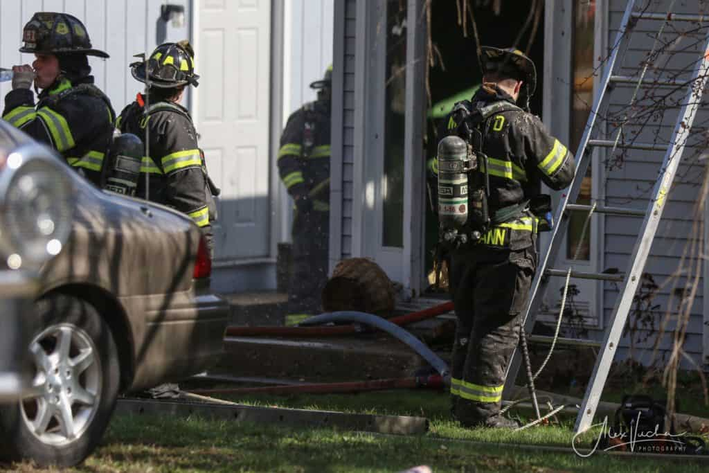 House fire leaves McHenry residence uninhabitable