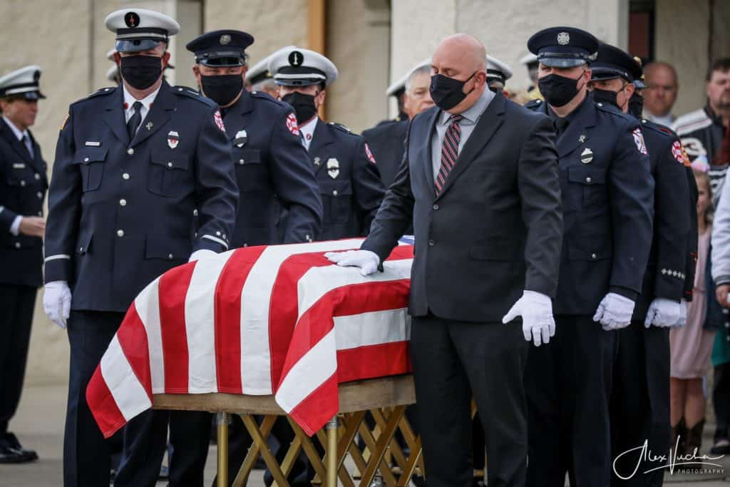 Lincolnshire-Riverwoods firefighter Mark Amore laid to rest in McHenry