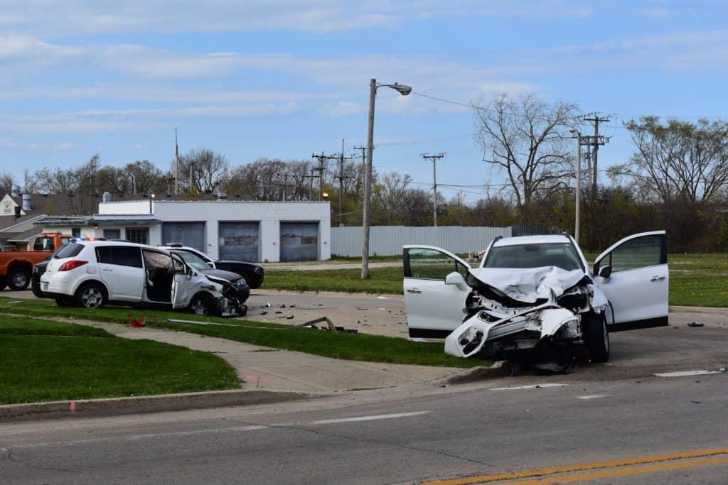 Man arrested after high-speed crash leaves 3 injured in Zion