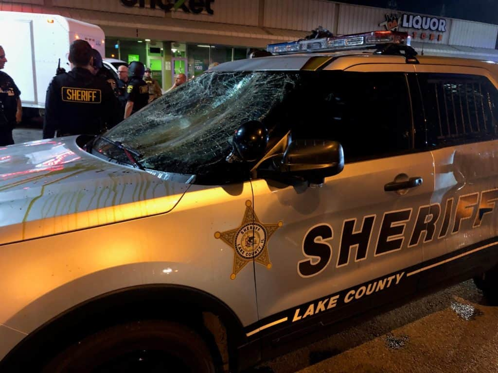 Hundreds of looters descend on Waukegan businesses; rioters attack police officers