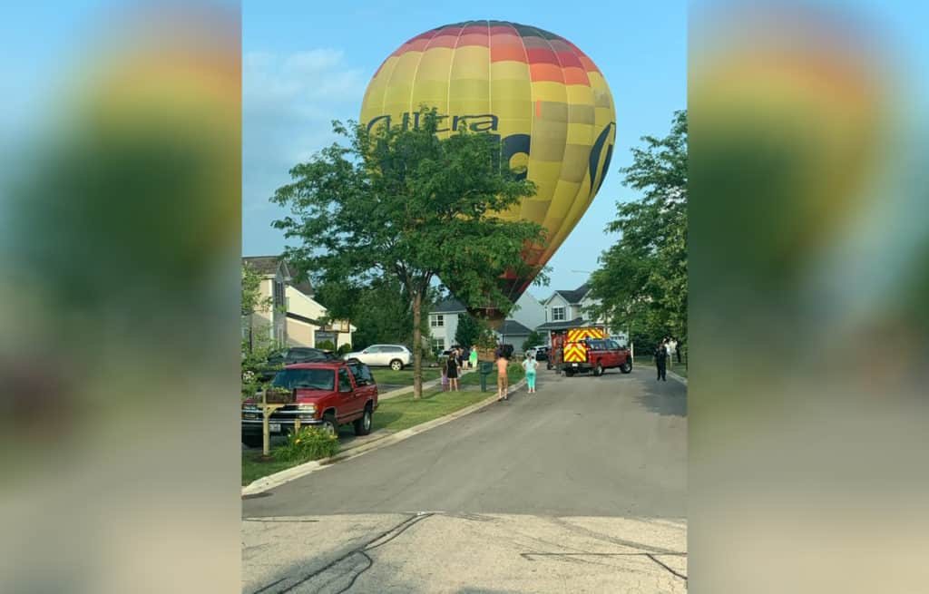 Hot air balloon makes emergency landing in Lake in the Hills neighborhood