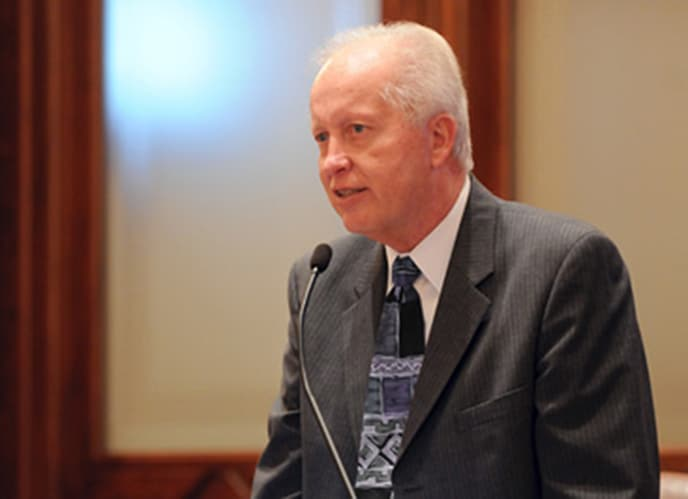 Longtime Illinois state senator from Vernon Hills charged with federal tax evasion