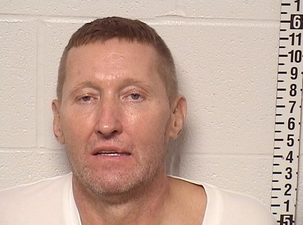 Vernon Hills man arrested after punching police officer in the face in Libertyville