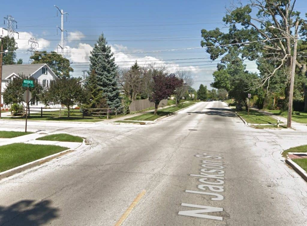 Speeding motorcyclist killed after crashing into car in Waukegan, police say