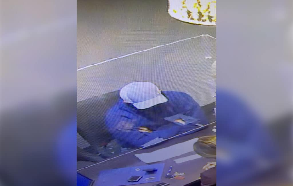 Man stole $150,000 worth of jewelry during armed robbery in Libertyville, police say