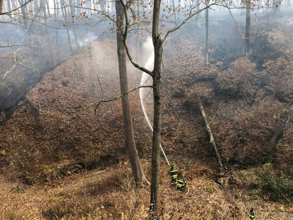 Firefighters battle 7-hour brush fire that burned 45 acres in Lake Forest