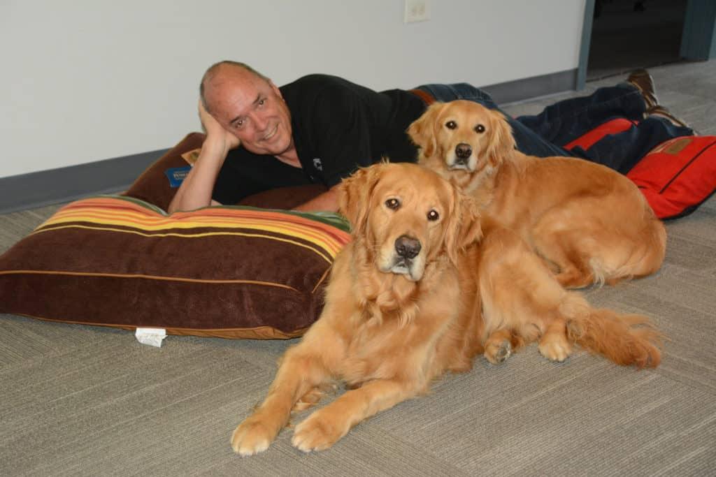 Lake Barrington man who led comfort dog response team dies of COVID-19