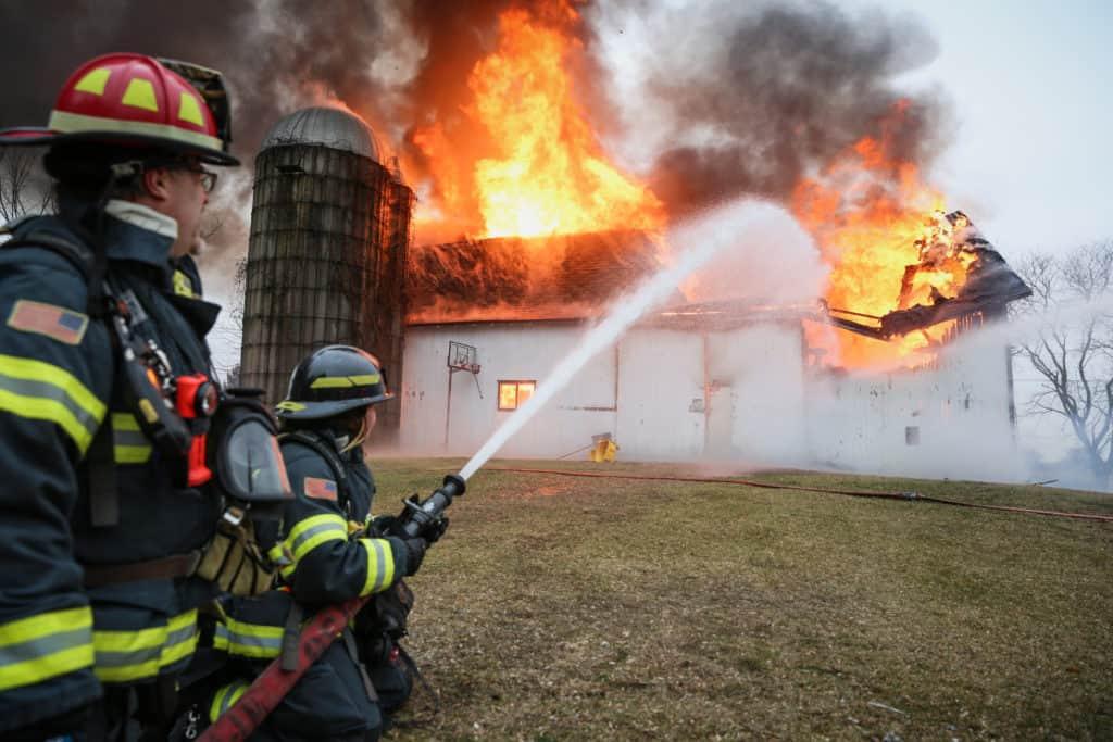 Fire destroys large barn in Woodstock