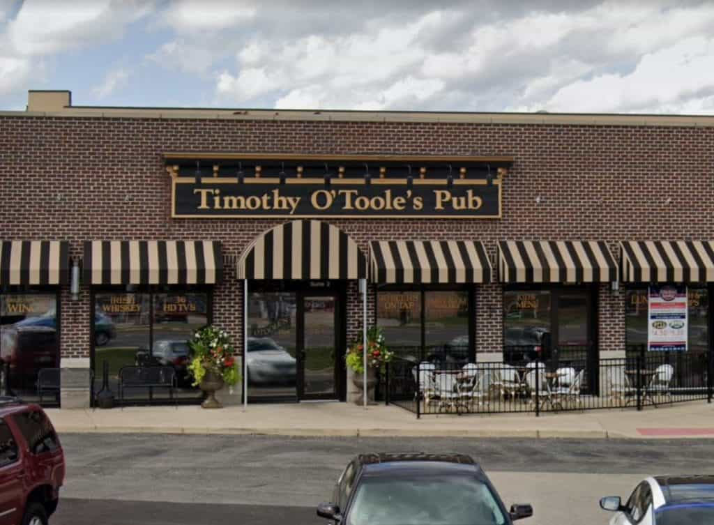 Two people file complaints against four Gurnee-area restaurants that reopened indoor dining