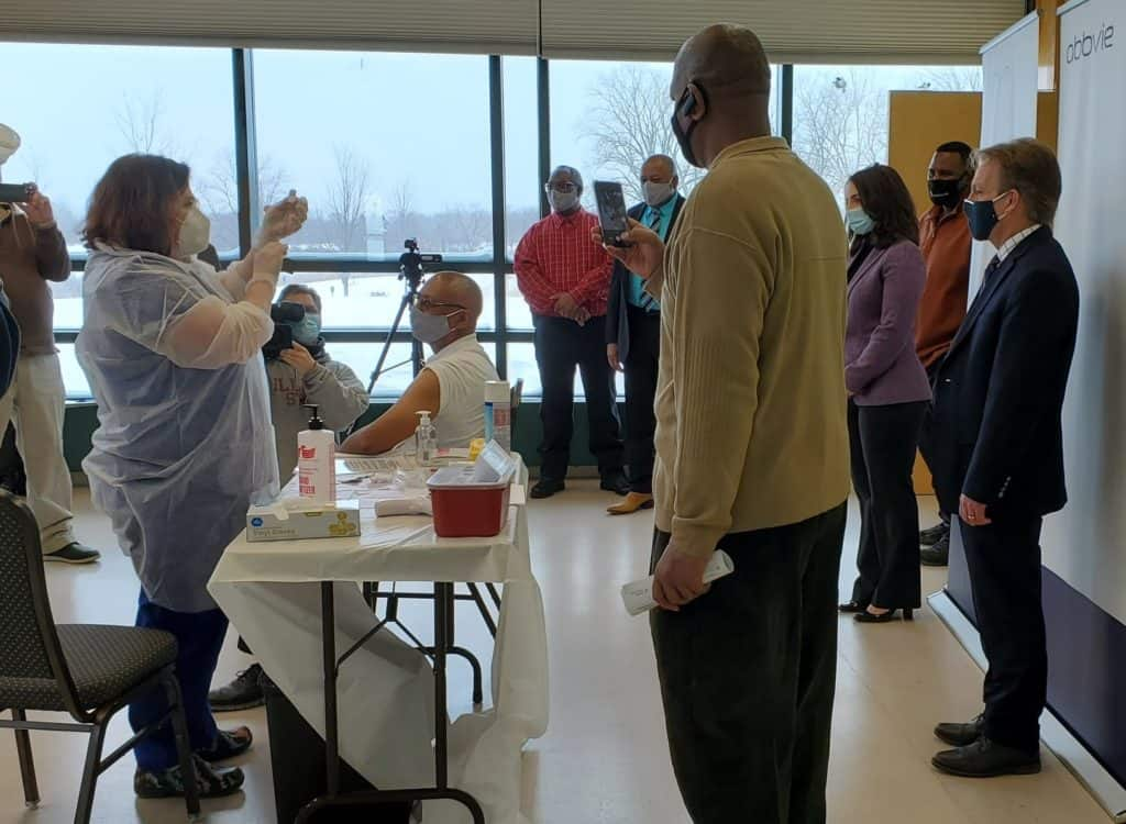 Vaccination clinic for Waukegan and North Chicago seniors opens; mobile testing unit coming to Lake County