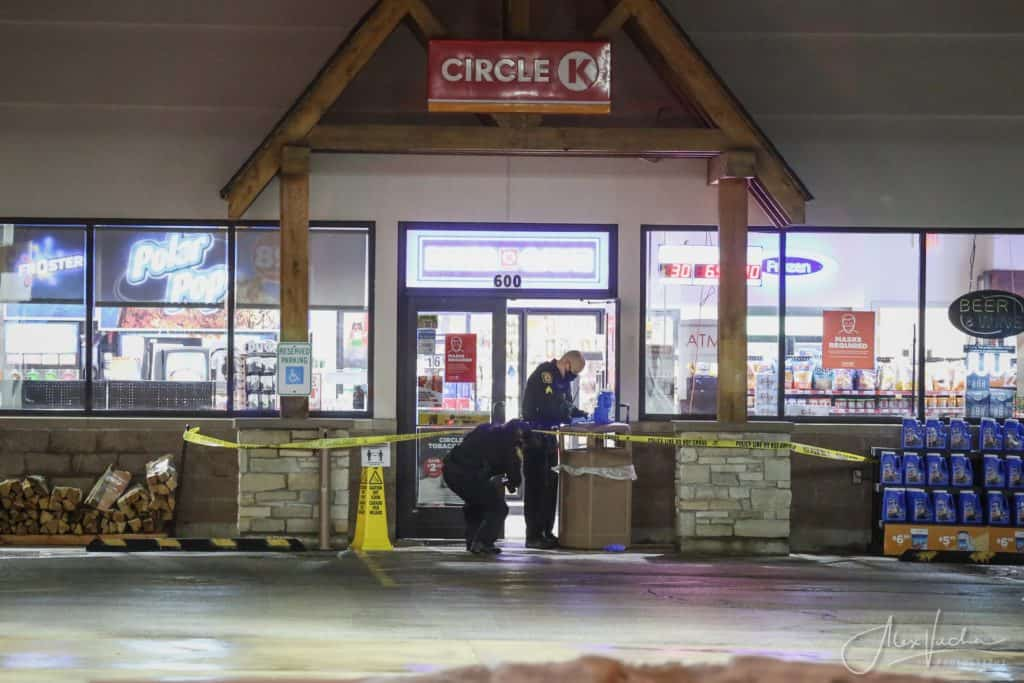 Employee shot after two suspects rob gas station at gunpoint in Marengo