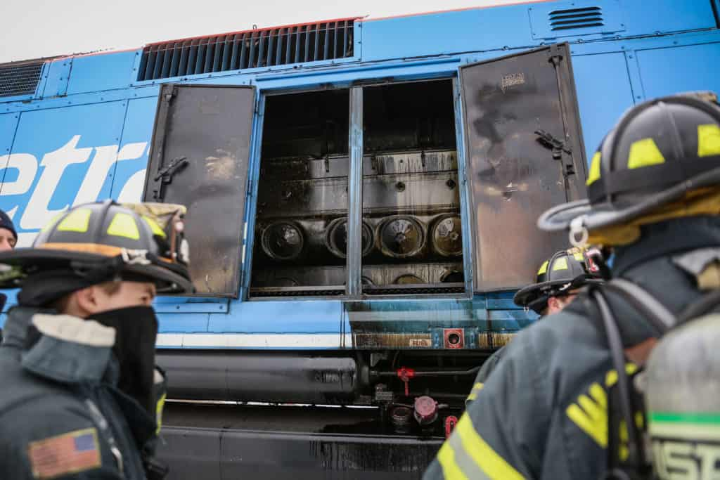 Passengers evacuated after small fire in engine of Metra train in Woodstock