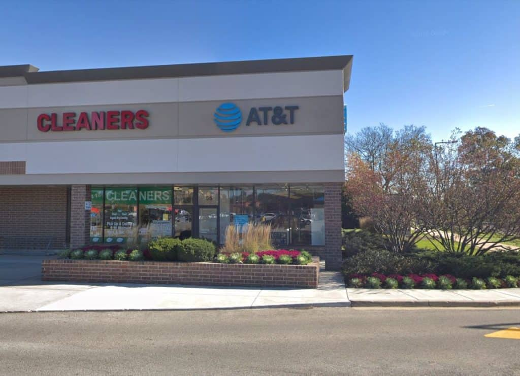 Employee tied up, $57,000 worth of merchandise stolen during armed robbery at Buffalo Grove AT&T store