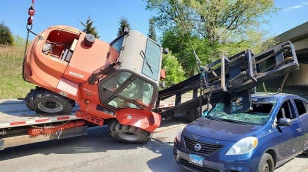 No injuries after forklift rolls over onto vehicle, crushing windshield in Libertyville